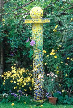 TOTEM: Gorgeous mosaic focal point for the garden surrounded by plantings in the same color family is striking - by Candace Bahouth. Mosaic Garden Art, Mosaic Art, Mosaic Glass, Stained Glass, Mosaic Crafts, Mosaic Projects, Garden Crafts, Garden Projects, Garden Totems