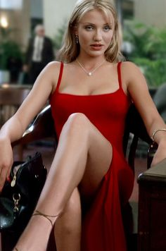 Post with 1440 votes and 36160 views. Tagged with photography, cameron diaz, beautiful, smoking, nostalgia; Cameron Diaz in The Mask Cameron Diaz The Mask, Cameron Diaz 90s, Cameron Dias, Cameron Diaz Style, Mode Gossip Girl, Mode Inspiration, Beautiful Celebrities, Beautiful Females, 90s Fashion