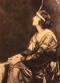 Alfred Cheney Johnston -  Fanny Brice