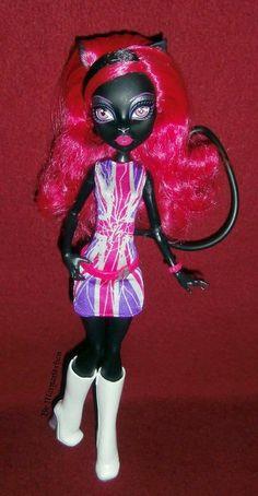 Monster High Ghoulebrities in Londoom Catty Noir
