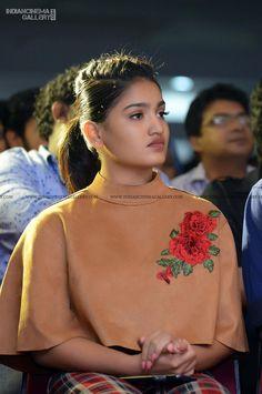 Saniya Iyappan Actress Photos Stills Gallery Dance Program, Bollywood Girls, Beautiful Girl Indian, Actress Photos, Pretty Girls, Dancer, Sari, Actresses, Film