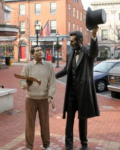 """Do you know that the statue of President Lincoln in Downtown Gettysburg is considered to be the most accurate depiction of the 16th president in the world? The artist, J. Seward Johnson Jr., used moldings of Lincoln's face and hands, as well as the exact version of Lincoln's Brooks Brothers coat to bring visitors an authentic look at Lincoln in this """"Return Visit"""" statue in Gettysburg. Seward Johnson, Gettysburg, American Civil War, Brooks Brothers, Abraham Lincoln, Did You Know, Knowing You, Presidents, United States"""