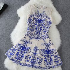The New 2014 Blue And White Porcelain Sleeveless Dress Lace Embroidery