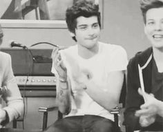 Zayn: that was just... Ugh it was so.. So amazing... I'm tearing up... XD gif
