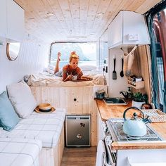 Home is where you park it! Tiny House Movement // Tiny Living // Tiny House on Wheels // Van Life Movement // Van Life // Tiny Home // Architecture // Home Decor Bus Life, Camper Life, Camper Van, Camping Vintage, Vintage Campers, Vintage Motorhome, Vintage Trailers, Campervan Interior, Rv Interior