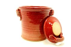 ceramic pottery jar for sauerkraut or kimchi in cranberry red Pickling Crock, Fermentation Crock, Fermented Sauerkraut, Sauerkraut Recipes, Probiotic Foods, Fermented Foods, Easy Starters, Kimchi, Ceramic Pottery