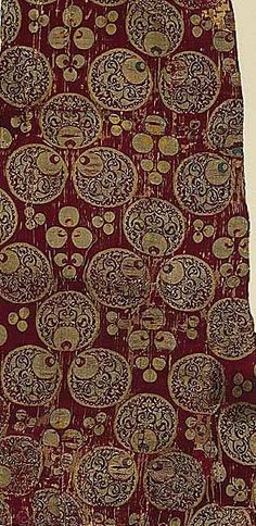Çintamani- The famous Ottoman fabrics were made chiefly of silk, and were constructed in a variety of complex weaves, such as brocade, velvet and voided velvet, lampas, damask, and more.