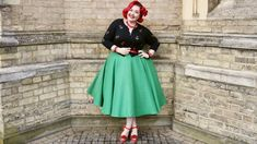 Roses In the Courtyard With Voodoo Vixen Curve - MelodyMae.co.uk