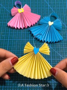 10 Fun Paper DIY Ideas - Origami Crafts - DIY For Kids - Paper Skirt Do you like the art of origami crafts? Or you want to have a family paper DIY Ideas event with your kids? Paper Crafts For Kids, Diy For Kids, Paper Crafting, Crafts To Make, Easy Crafts, Easy Diy, Kids Fun, Kids Origami, Origami Paper