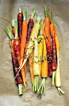 Very Easy...Kitchen: Les carottes selon Katie Quinn Davies (Carottes nouvelles rôties au thym, noisettes et vin blanc)