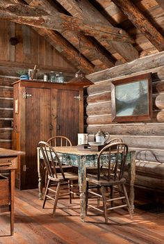 Whitefish, Montana Private Historic Cabin Remodel rustikal-esszimmer