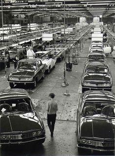 Classic Cars British, British Car, Triumph 2000, Rover P6, Old Lorries, Gas Turbine, Cars Uk, Car Posters, New Engine