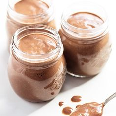No-Cook Overnight Chocolate Chia Seed Pudding - I never knew chocolate pudding could be a health food! And this no-cook overnight chocolate ch - Paleo Treats, Healthy Snacks, Healthy Sweets, Paleo Recipes, Whole Food Recipes, Protein Recipes, Potato Recipes, Cleanse Recipes, Chi Seed Recipes