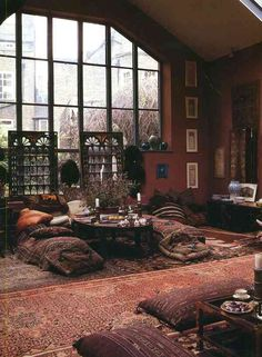 incredible room, when I get my own house I'm going to make my living room look like an opium den! incredible room, when I get my own house I'm going to make my living room look like an opium den! Bohemian Style Home, Bohemian House, Bohemian Decor, Bohemian Living, Dark Bohemian, Bohemian Apartment, Bohemian Gypsy, Apartment Living, Gypsy Living