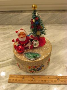 Hey, I found this really awesome Etsy listing at https://www.etsy.com/listing/249728123/vintage-christmas-made-in-japan-santa