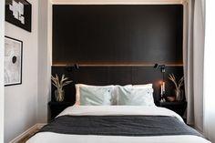 Design noir dans un appartement de 53m2 - PLANETE DECO a homes world Classic Home Decor, Classic House, Style Tropical, Ikea, Minimalist Home Decor, Eclectic Decor, Cheap Home Decor, Flower Decorations, Home Remodeling