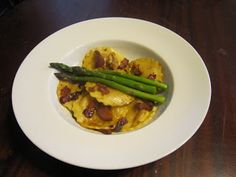 Lisa in the Kitchen?: BROWN SUGAR BUTTER SAUCE WITH BUTTERNUT SQUASH RAVIOLI