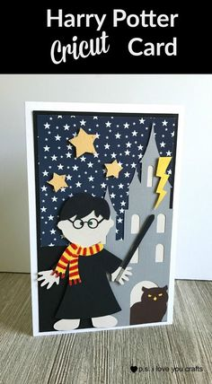 Harry Potter Cricut Card - P. I love you craftUse Cricut Explore to create a Harry Potter Cricut map. I used the Paper Doll Cricut Cartridges and a few extras. I love how it turned Harry Potter Karten, Harry Potter Scrapbook, Harry Potter Cards, Cumpleaños Harry Potter, Cricut Birthday Cards, Simple Birthday Cards, Cricut Cards, Handmade Birthday Cards, Cricut Halloween Cards