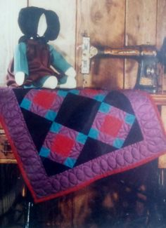 Adorable amish doll & quilt!