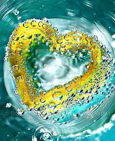 Resultado de imagem para beautiful heart pic with water