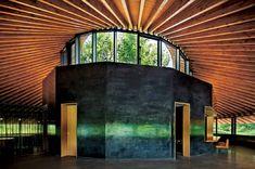Salón Comunal, Parque Cementerio de Lago Sayama, Tokyo, Japón - Hiroshi Nakamura & NAP Co., Ltd. - © Koji Fujii / Nacasa and Partners