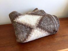 100% Wool Ethnic Throw Blanket / Brown Beige Peruvian Wool Blanket / Boho Wool Throw / Indigenous Tribal Blanket / Southwestern Throw  This is a