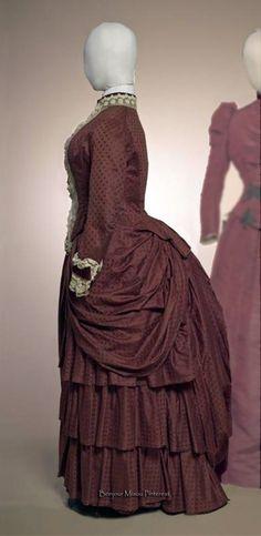 Two-piece dress, Mme. Fromont, ca. 1889–90. Dark red silk grosgrain moiré. Gemeentemuseum Den Haag via ModeMuze