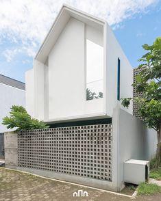 60 Facades of Small and Simple Houses For You To Be Inspired .- 60 Fachadas de Casas Pequenas e Simples Para Você se Inspirar 60 Small and Simple House Facades for Inspiration - Design Exterior, Brick Design, Concrete Design, Facade Design, Modern Exterior, Minimalist House Design, Small House Design, Modern House Design, Brick Architecture