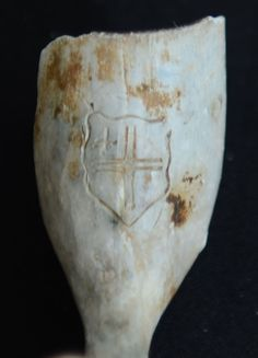 Mudlarking find from Thames London, clay pipe with City of London shield. http://mudlarking.blogspot.co.uk/