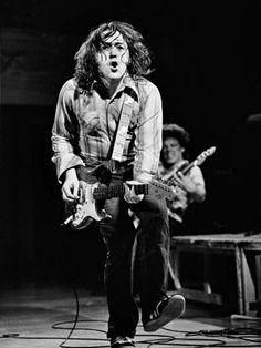 William Rory Gallagher nasce a Ballyshannon, contea di Donegal, Irlanda, nel 1948 ma si trasferisce presto a Cork, città che rimarrà molto legata alla sua figura. Il suo amore per il rock-blues sboccia sin da piccolo; suona e partecipa ad alcuni contest e riesce, con i soldi vinti da uno di questi, a comprarsi la mitica Stratocaster, chitarra che lo seguirà per il resto della sua carriera.