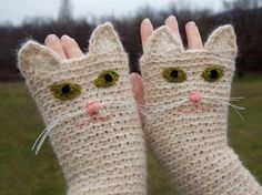 Knit gloves - original and unusual ideas - WZORY - Crochet Doily Patterns, Crochet Doilies, Knit Crochet, Knitted Gloves, Fingerless Gloves, Crazy Cat Lady, Crazy Cats, Cat Crafts, Baby Alpaca