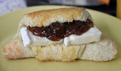 Huvilaelämää ja mökkiruokaa: Ranskalainen aamupala eli Croissantit briellä ja hillolla