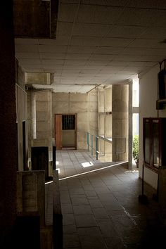 Palace of Justice - Chandigarh - Le Corbusier. Consummate knowledge of and ability to manipulate light and space.