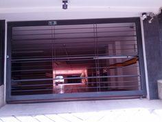 Puertas acceso garajes