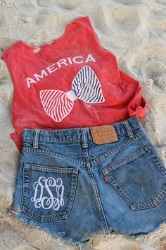 Cute beach outfit for the 4th!