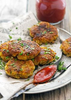 Spicy Potato Cakes (Aloo Tikki) with Sriracha Ketchup