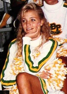 Cameron Diaz in as a sophomore at Long Beach Polytechnic High School in Long Beach, Calif. By the time Diaz she turned she was already a successful model. High School Pictures, Yearbook Pictures, Celebrity Yearbook Photos, School Photos, Celebrity Pictures, Leslie Mann, Young Celebrities, Celebs, Young Actors