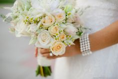 Beautiful white wedding bouquet : In Champagne & Blush Tones With Gatsby Like Art Deco Flair Wedding 2015, Wedding Tips, Dream Wedding, Wedding Stuff, White Wedding Bouquets, Flower Bouquet Wedding, Flower Bouquets, Bridal Bouquets, Seaside Wedding