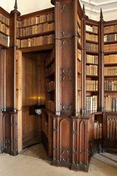 Library at Felbrigg Hall #libraries