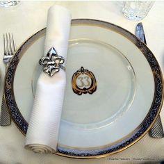 Table Setting at Club 33 Disney Theme, Disney Food, Tiki Room, Disney Fanatic, Disneyland, Parks, Table Settings, Club, Travel