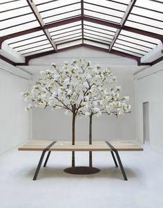 Oak #garden #table Pi 3 by MOAROOM | #design Roderick Fry