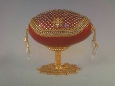 Jewelry Art, Vintage Jewelry, Faberge Eggs, Egg Art, Egg Decorating, Egg Shells, Jewel Box, Swarovski, Arts And Crafts