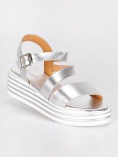 76c7d7a079de4b 45 fantastiche immagini su sandali argento