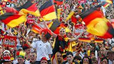 20 NICHT GANZ ERNST GEMEINTE FRAGEN VON BILD AM SONNTAG Wie deutsch bin ich? Überall weht Schwarz-Rot-Gold. Sind Sie wirklich so deutsch, wie es jetzt zur WM scheint?