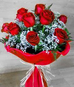 Ramos de docenas de rosas para regalar de diferentes colores