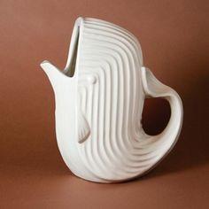 Wasserkrug Wal Weiss von Jonathan Adler