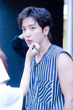 170718 [Starcast - Dispatch] Jung Yonghwa Solo Aesthetics~ Do Disturb album jacket stills