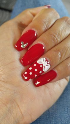 Minnie Mouse Nails - Left Hand