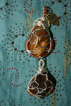 Tiger's Eye encourages a passion for life and enhances your willpower and drives your will for success. It promotes clarity of intention, boosts self esteem, and gives courage, determination, and strength.