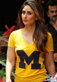 Kareena Kapoor Khan: Bright colours suit the lady Bollywood Photos, Indian Bollywood, Bollywood Stars, Bollywood Fashion, Kareena Kapoor Images, Kareena Kapoor Khan, Deepika Padukone, Beautiful Bollywood Actress, Most Beautiful Indian Actress
